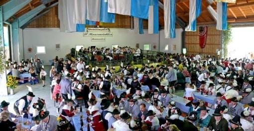 Hier gibt es weitere Fotos vom Gründungsfest 2007