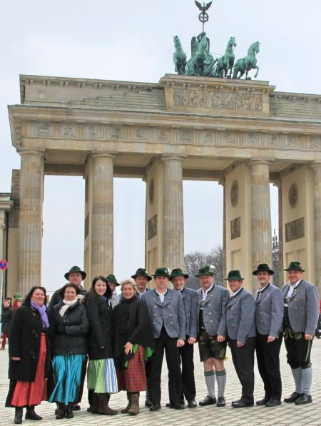 Moasawinkler vor dem Brandenburger Tor